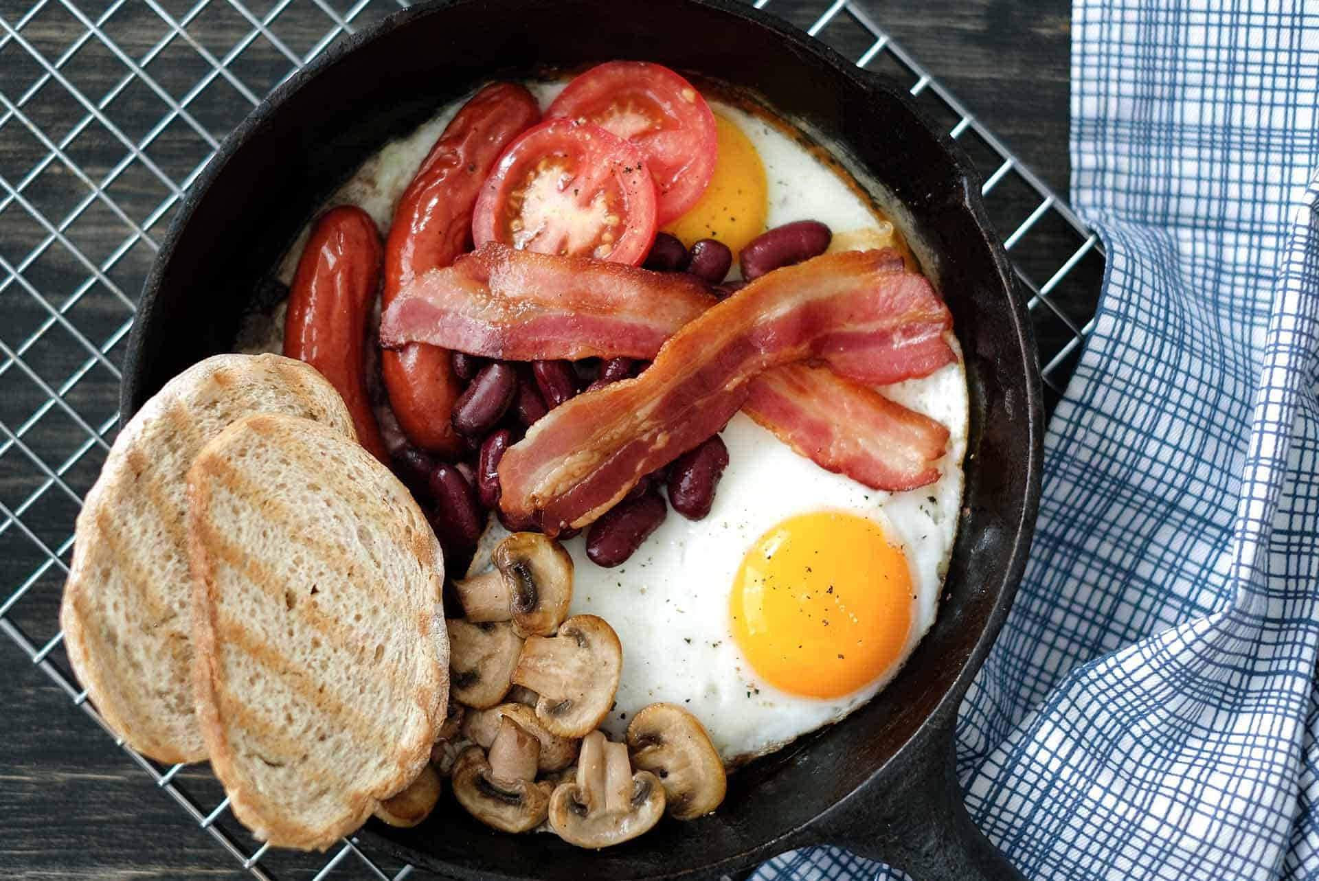 Tavada İngiliz Kahvaltı Tarifi