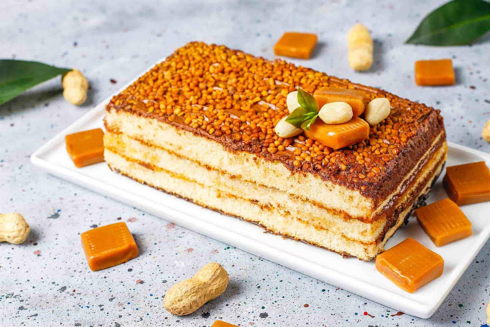 Karamelli Yer Fıstıklı Pasta Tarifi