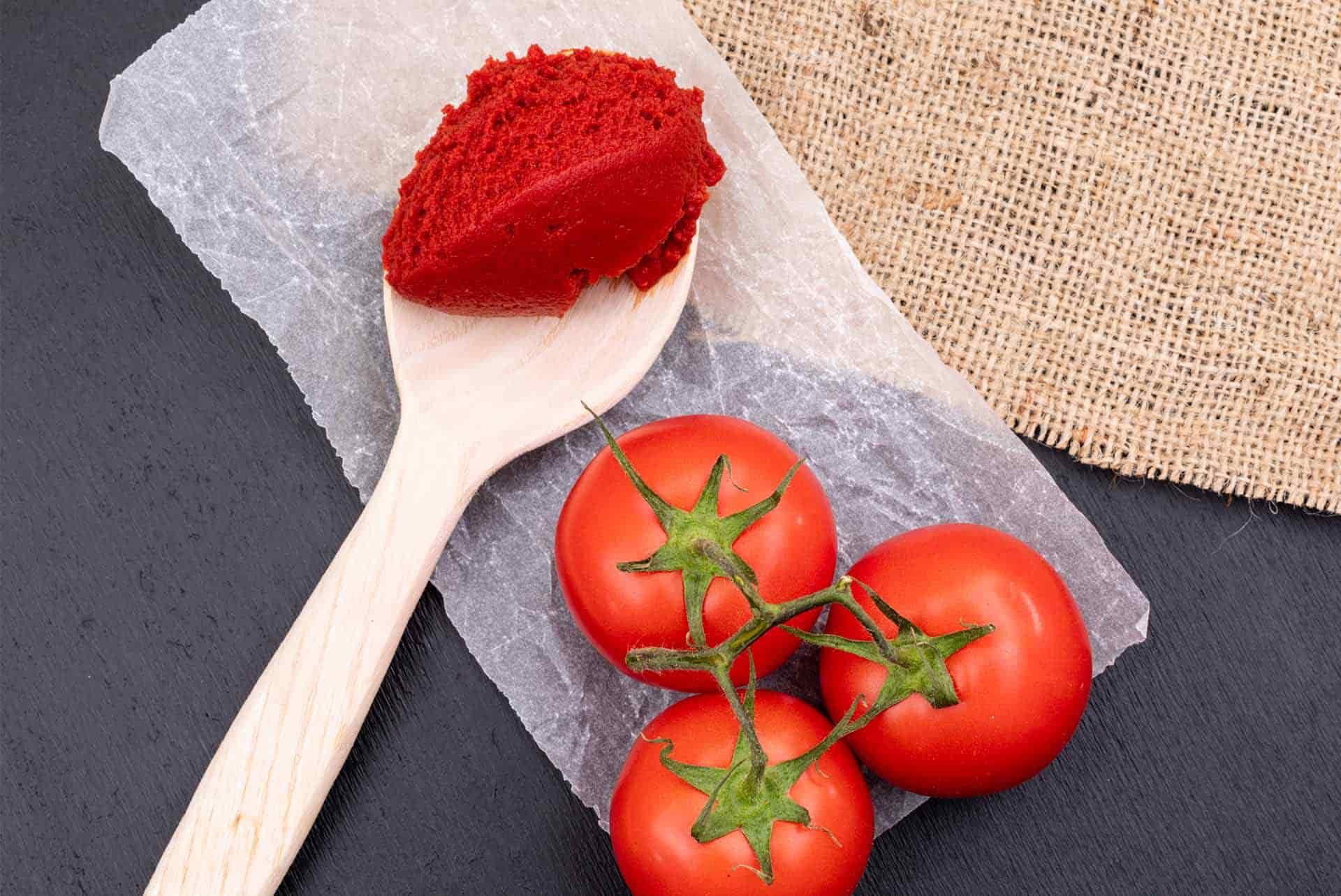 Yemeklerin Vazgeçilmez Lezzeti: Salça